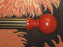 Curtain rod finials